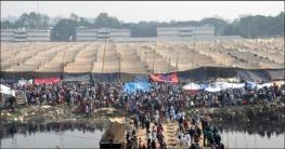 ইজতেমা ময়দানে লাখো মুসল্লির জুমার নামাজ আদায়