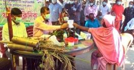 গ্রামে যাচ্ছে 'ভ্রাম্যমাণ ফসল ক্লিনিক', স্বস্তিতে কৃষকরা